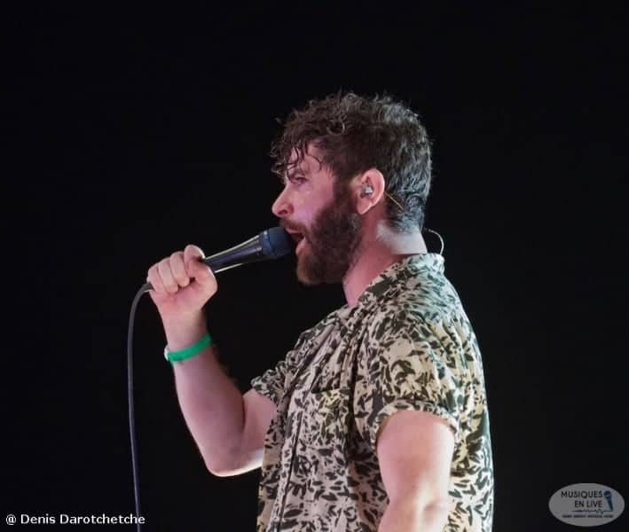 The_Foals_2019_014