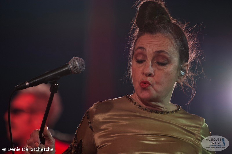 Catherine-Ringer-Chante-Rita-Mitsouko-2019_008