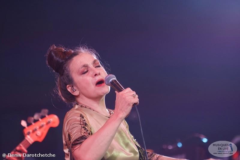Catherine-Ringer-Chante-Rita-Mitsouko-2019_026